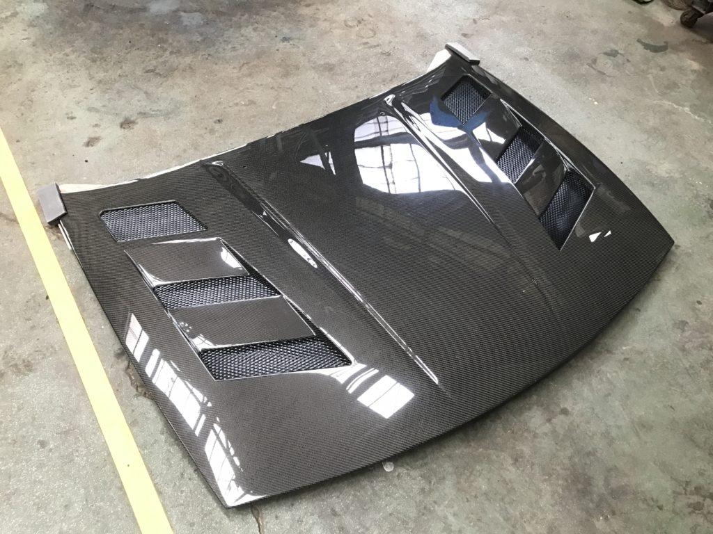 Z32のカーボンボンネット